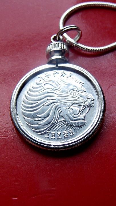 Leo-Lion-Coin-Necklace