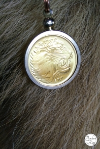 gold roaring lion coin pendant 2