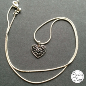 Pretty Heart Necklace