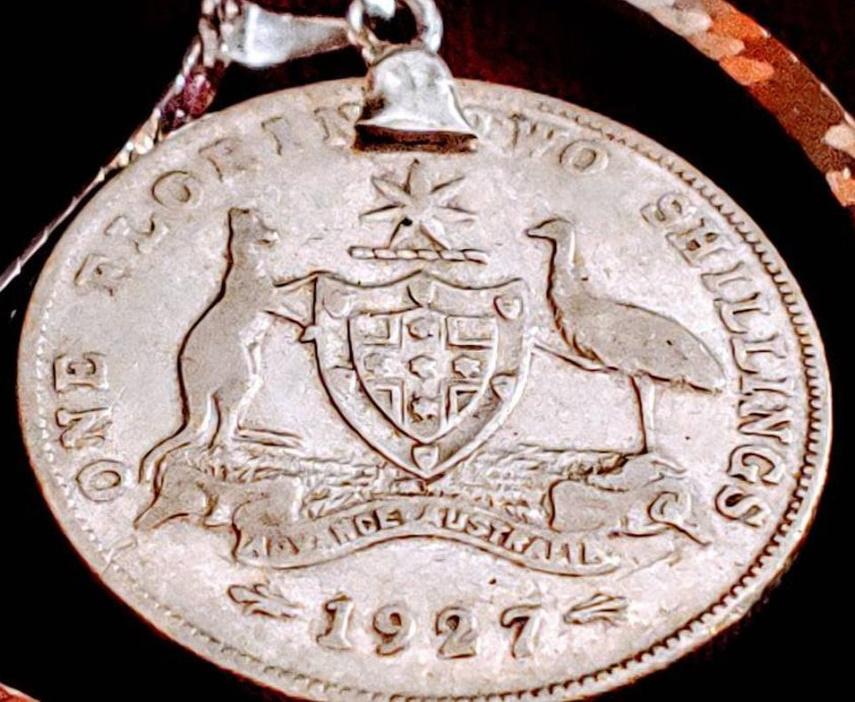1927 Australian florin two shillings coin pendant necklace. Australia coat of arms.